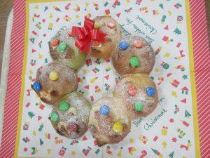 見るのも食べるのも楽しいクリスマスツリーパン