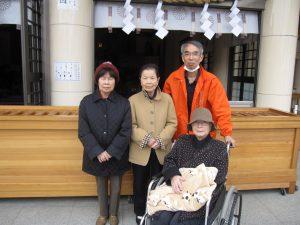 寒風吹きすさぶ護国神社